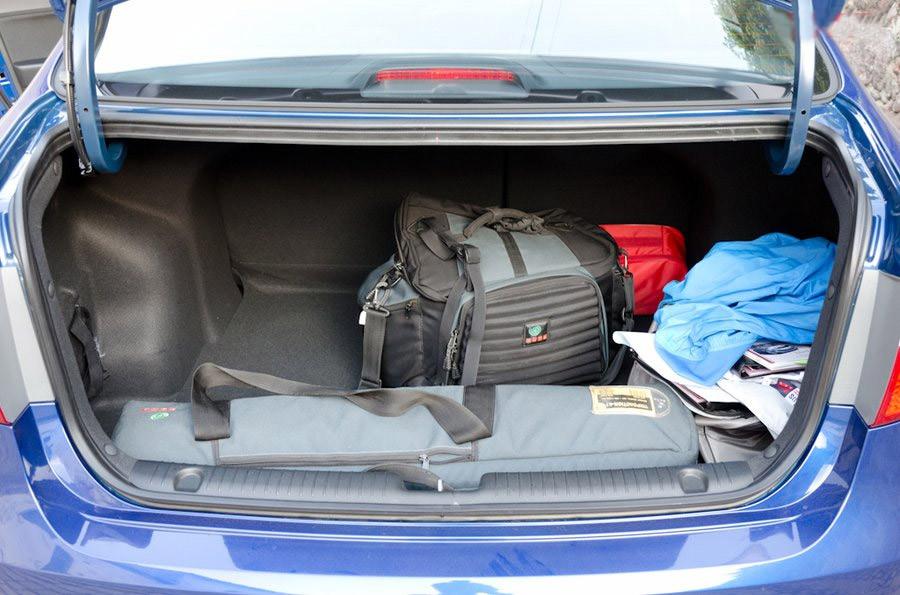Багажник Кіа Ріо фото