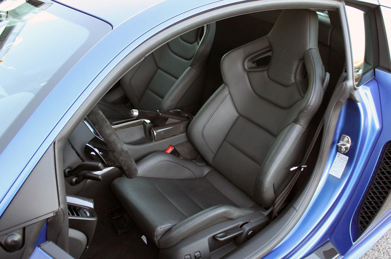 Салон Audi R8 фото