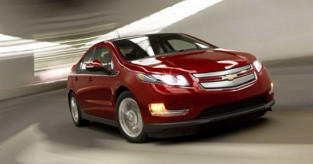 Червоний Chevrolet Volt