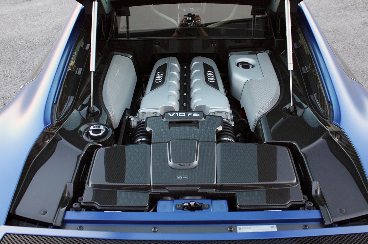 двигун Audi R8