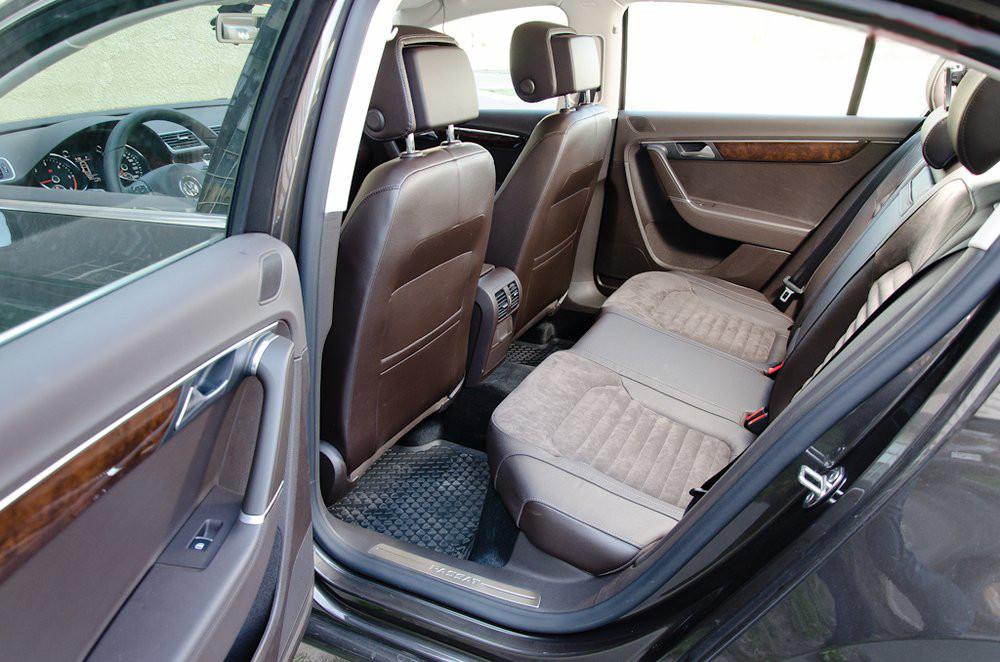 Volkswagen Passat 2014 TDI - Задній сдіння