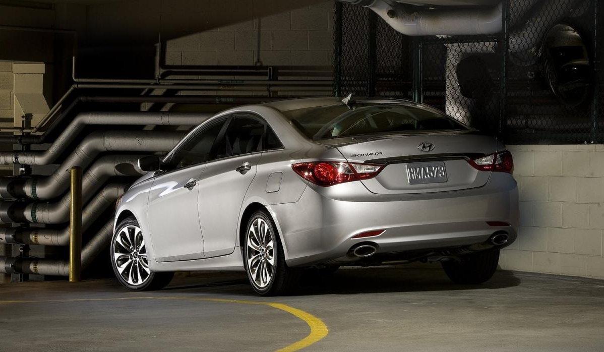 Авто_Hyundai_Sonata_фото