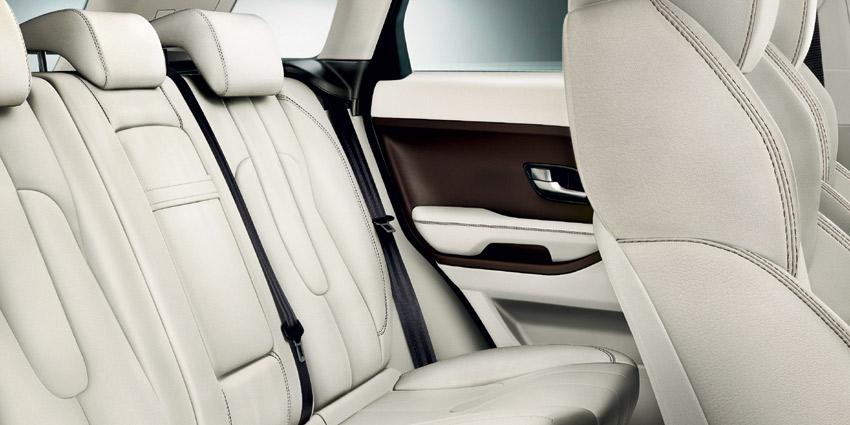 Задні сидіння Range Rover Evoque фото