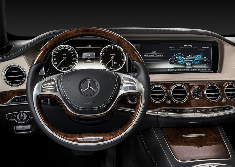 Приладова_панель_Mercedes_S-Class_2014_фото