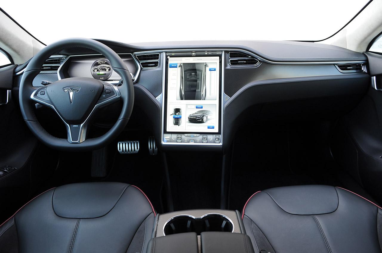 Салон Tesla Model S фото
