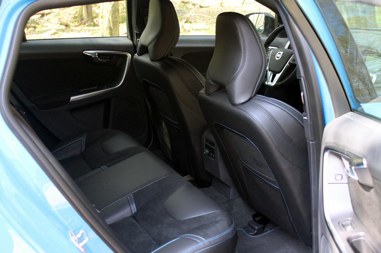 Салон Volvo v60 фото 2014