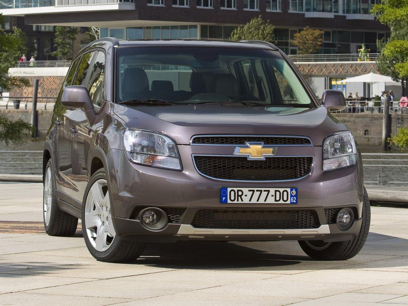 Chevrolet_Orlando_фото