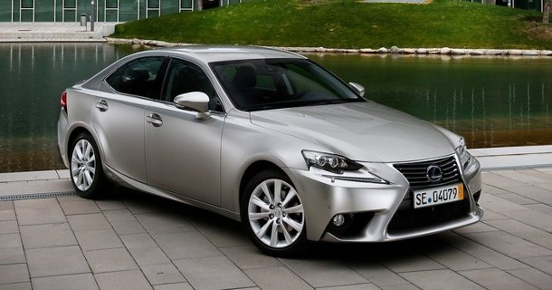 Lexus_IS_фото_2013