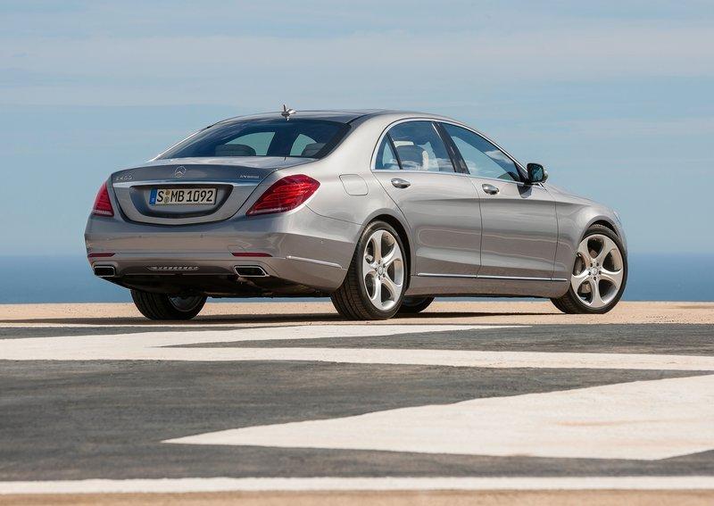Mercedes_S-Class_фото