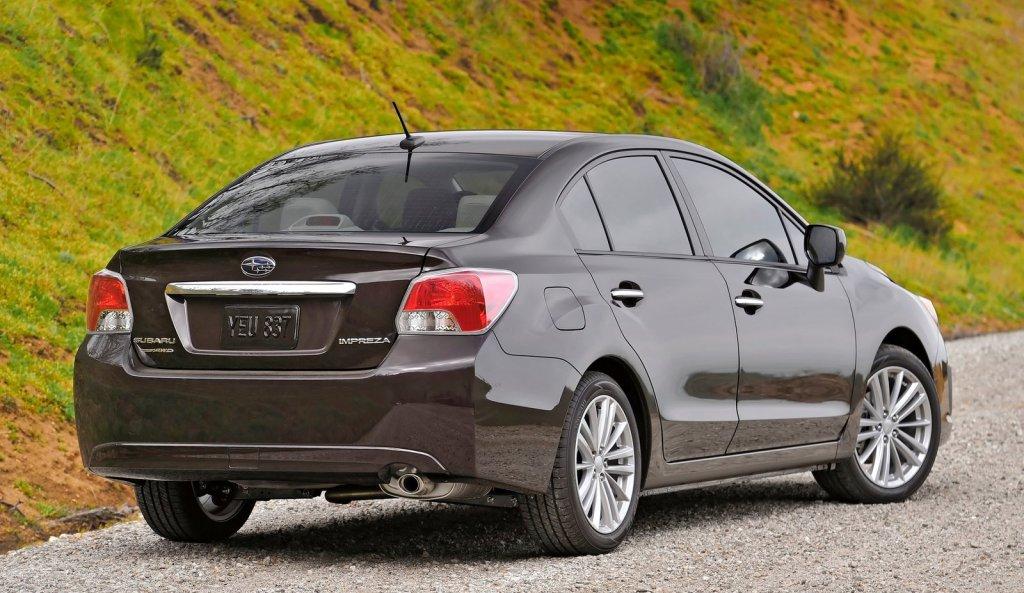 Subaru_Impreza_2013_фото
