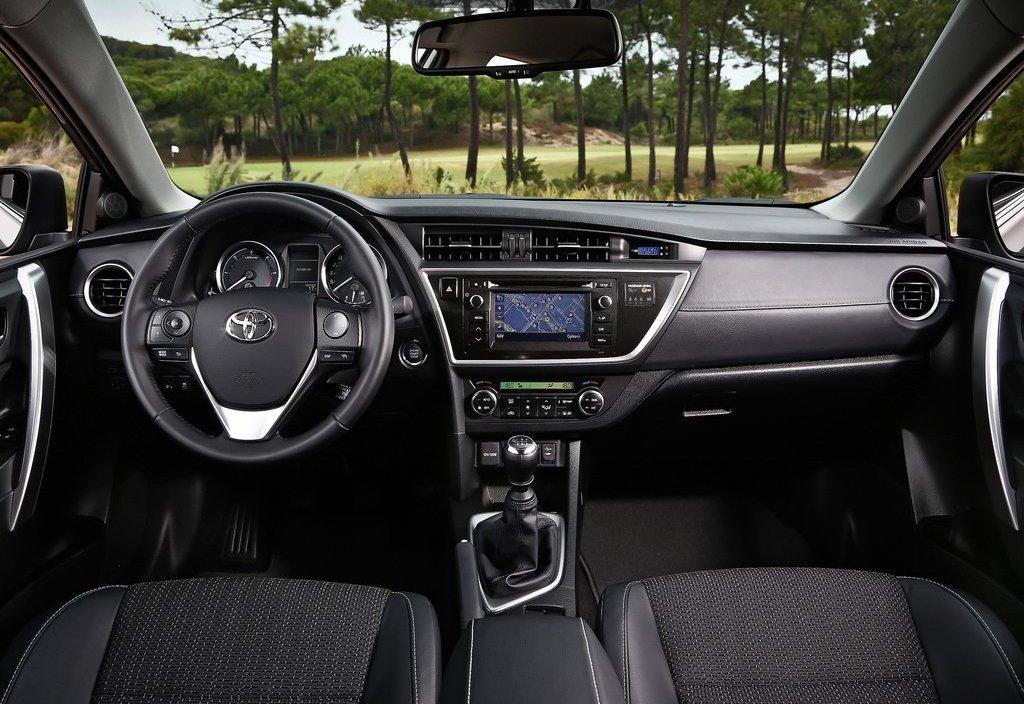 Toyota Auris тест-драйв