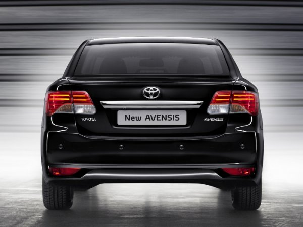 Toyota_Avensis_фото