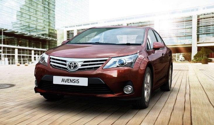 Toyota_Avensis_2012_фото