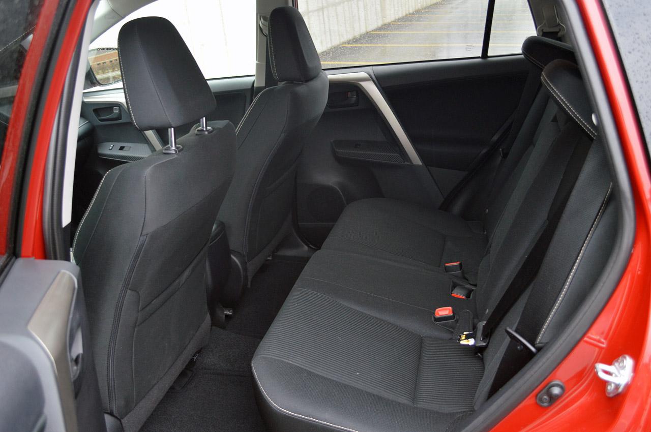 Toyota-rav4-фото