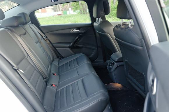 Задні-сидіння-Peugeot-508