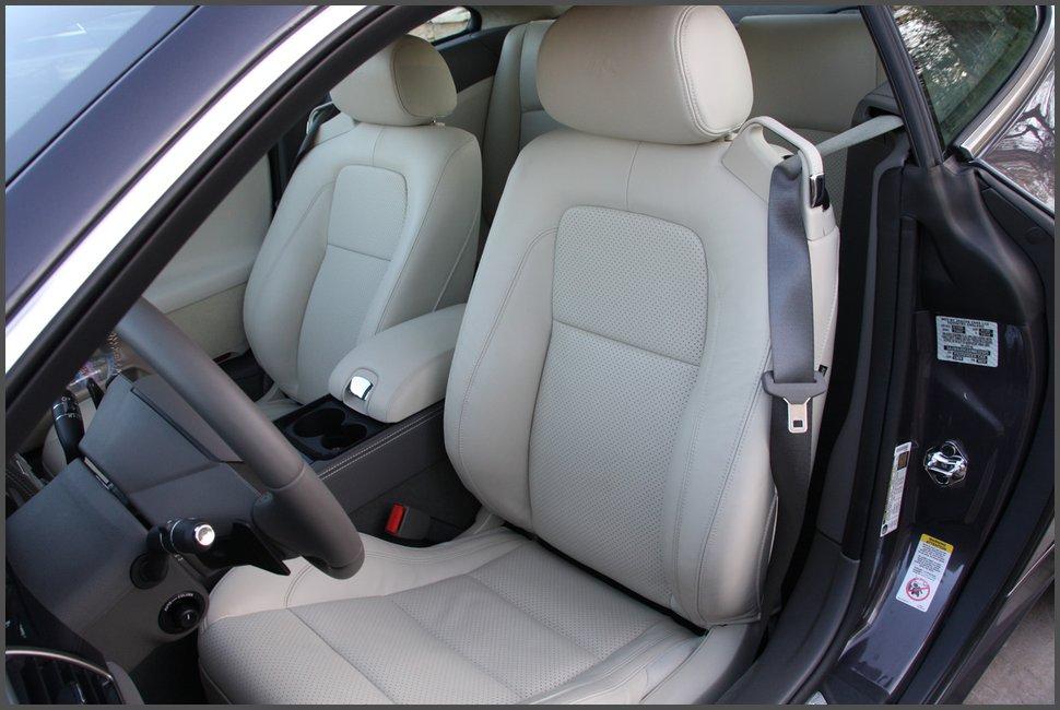 Салон-Jaguar-XKR-фото