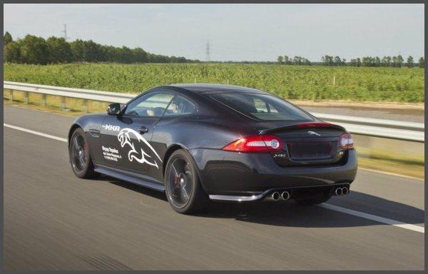 Фото-Jaguar XKR Coupe