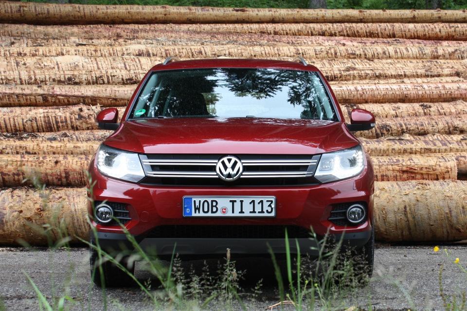 Volkswagen_Tiguan-2012