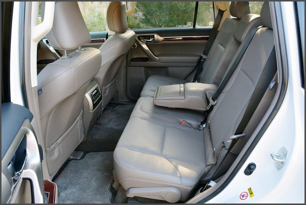 Другий ряд сидінь Lexus GX 460