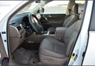 Передні сидіння Lexus GX 460
