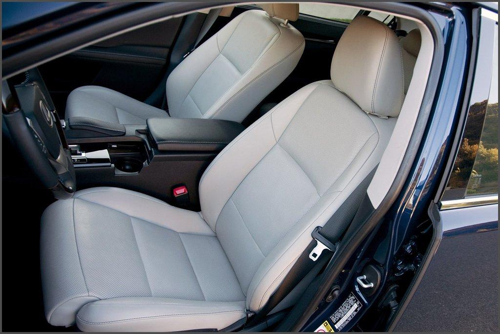 Передні сидіння Lexus ES 350 фото