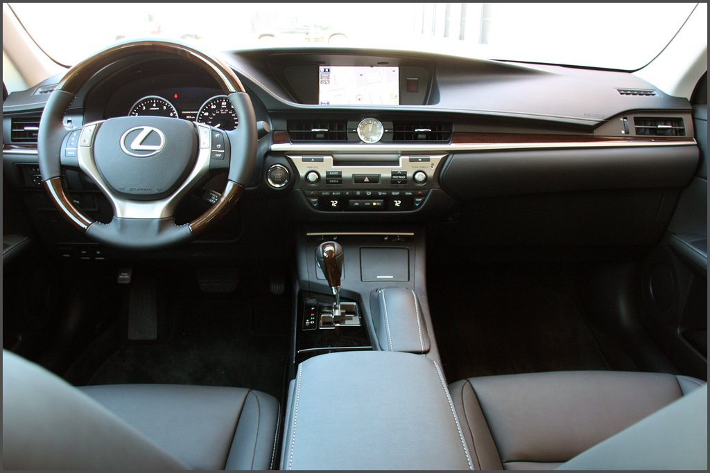 Салон Lexus ES 350 фото