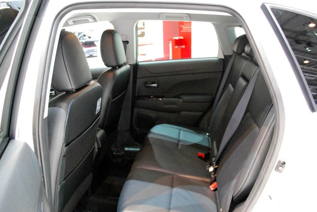 Сітроен C4 Aircross - Задні сидіння