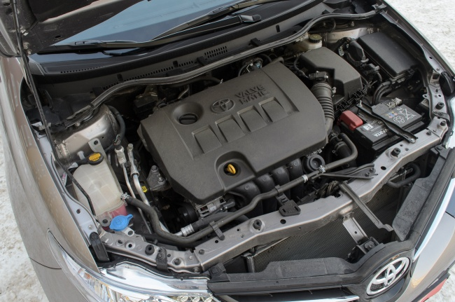 Тест-драйв Toyota Auris - Двигун