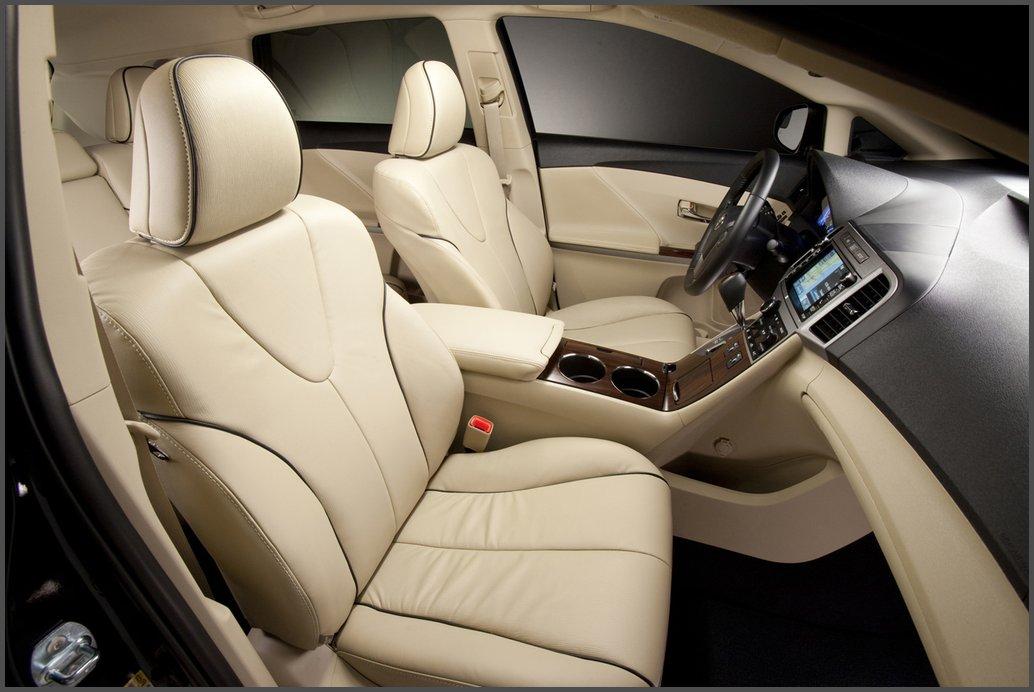Тойота Венза - передні сидіння