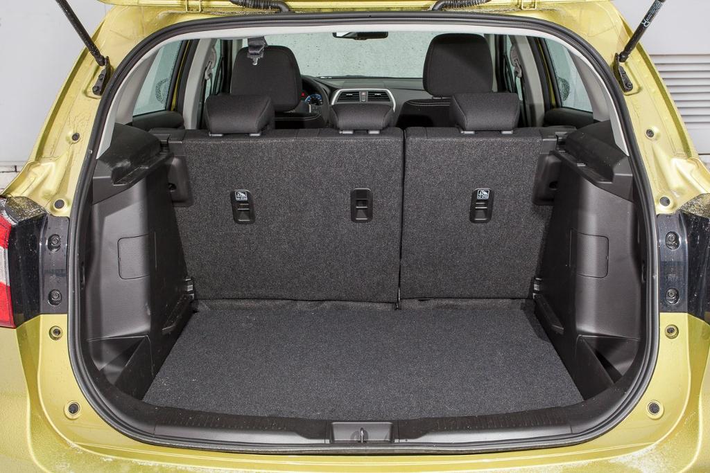 Фото Suzuki SX4 - Багажник