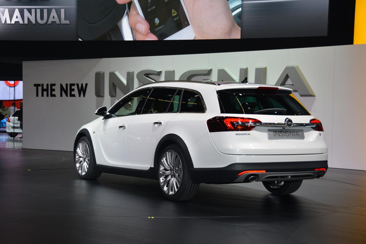 відгуки про Opel Insignia Country Tourer