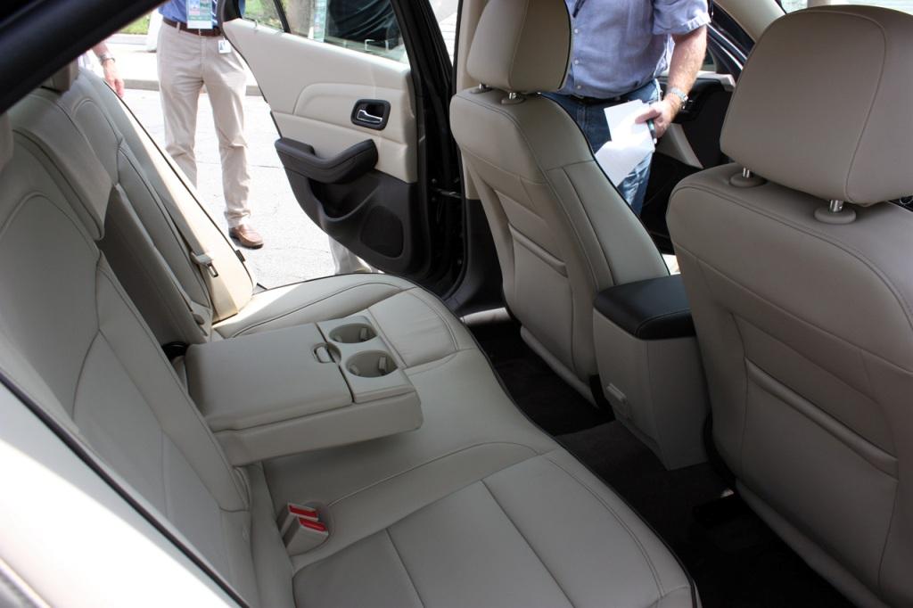 Chevrolet Malibu 2014 - Задні сидіння