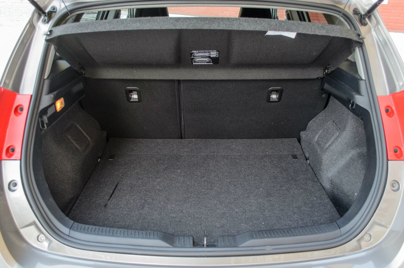 Тест-драйв Toyota Auris - Багажник