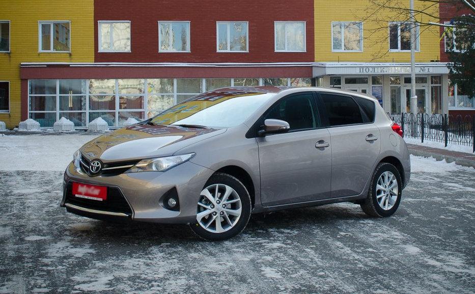 Тест-драйв Toyota Auris 2014