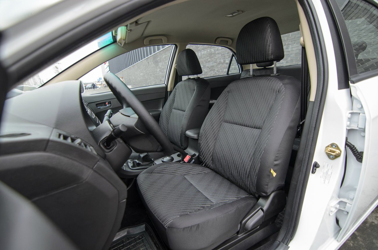 Фото BYD F3 - Передні сидіння