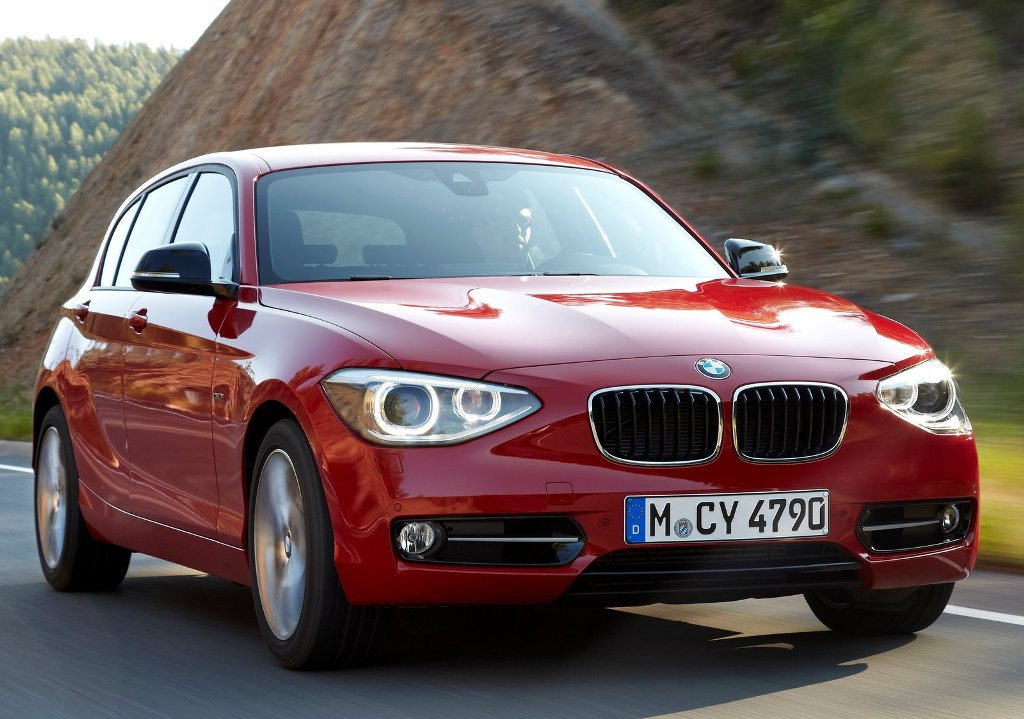 Хетчбек BMW 1 Series фото