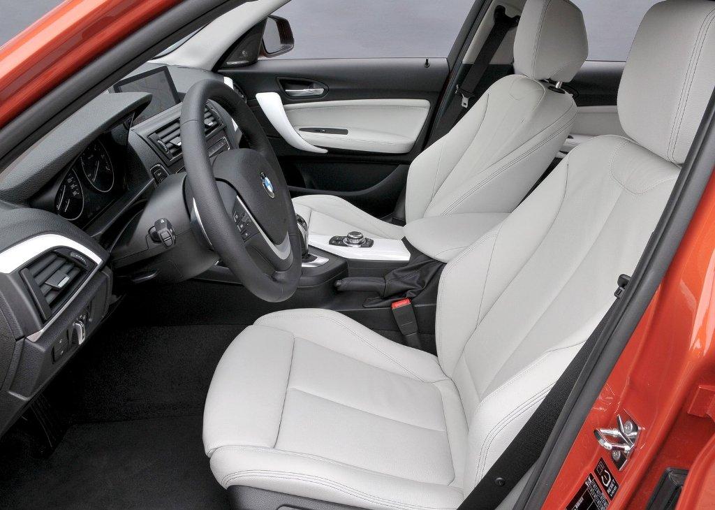 BMW 1 Series - салон