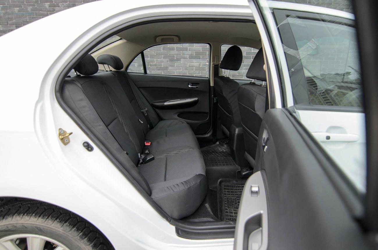 BYD F3 - Задні сидіння