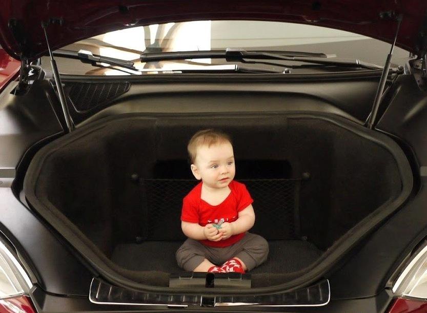 Тест-драйв Tesla Model S -передній багажник