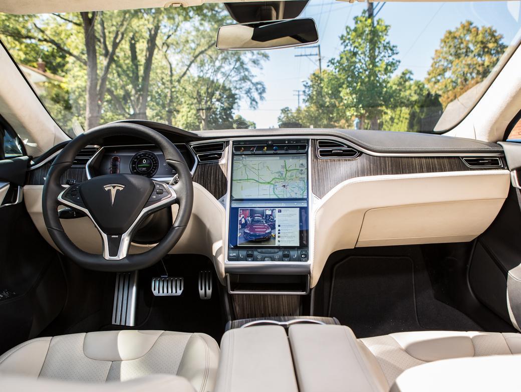 Тест-драйв Tesla Model S - інтер'єр