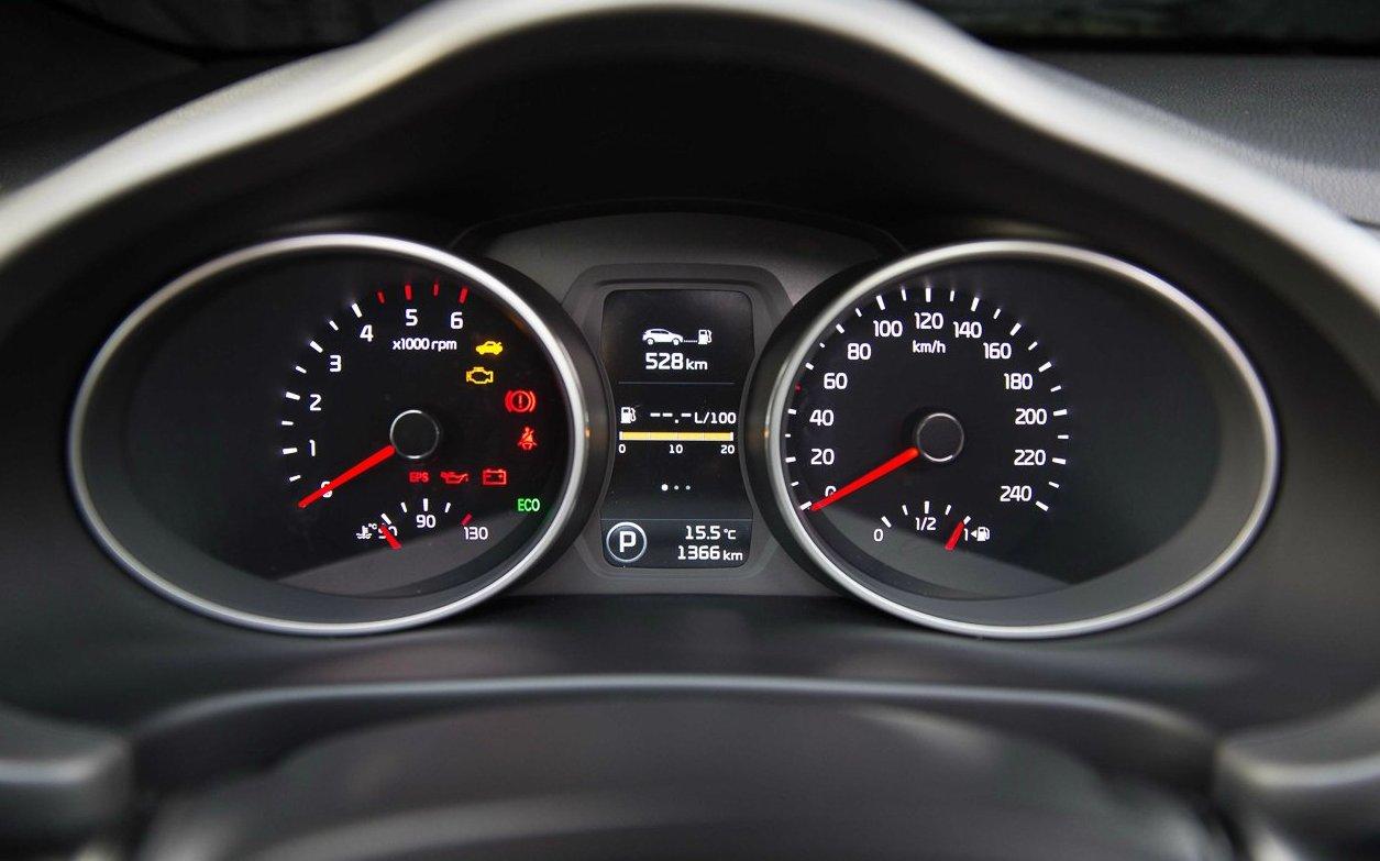 тест-драйв KIA Sportage 2014 - панель приладів