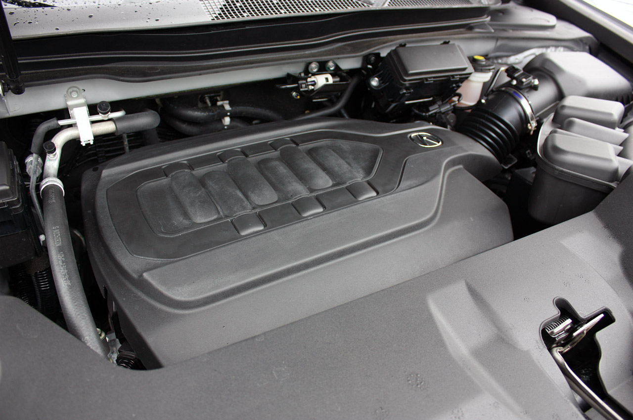 Acura MDX 2014 під капотом