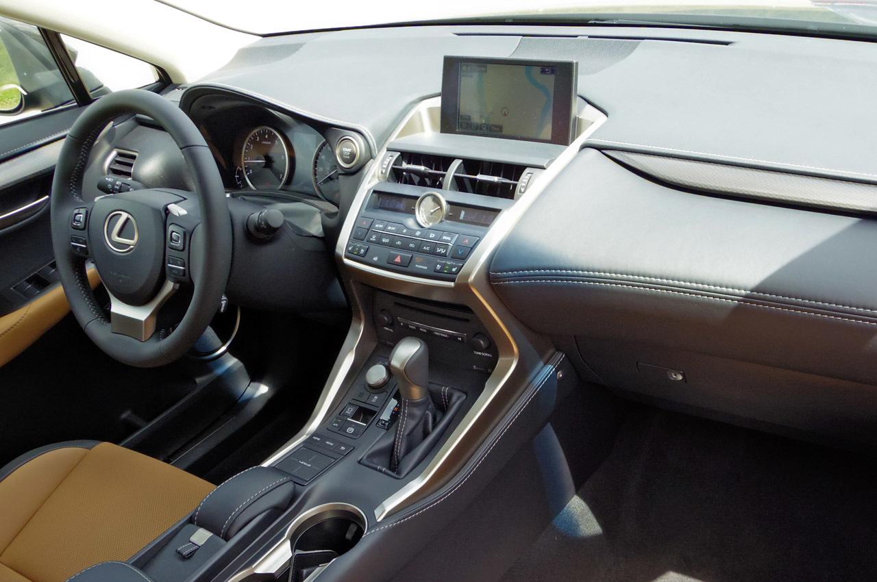 кросовер Lexus Nx 200t