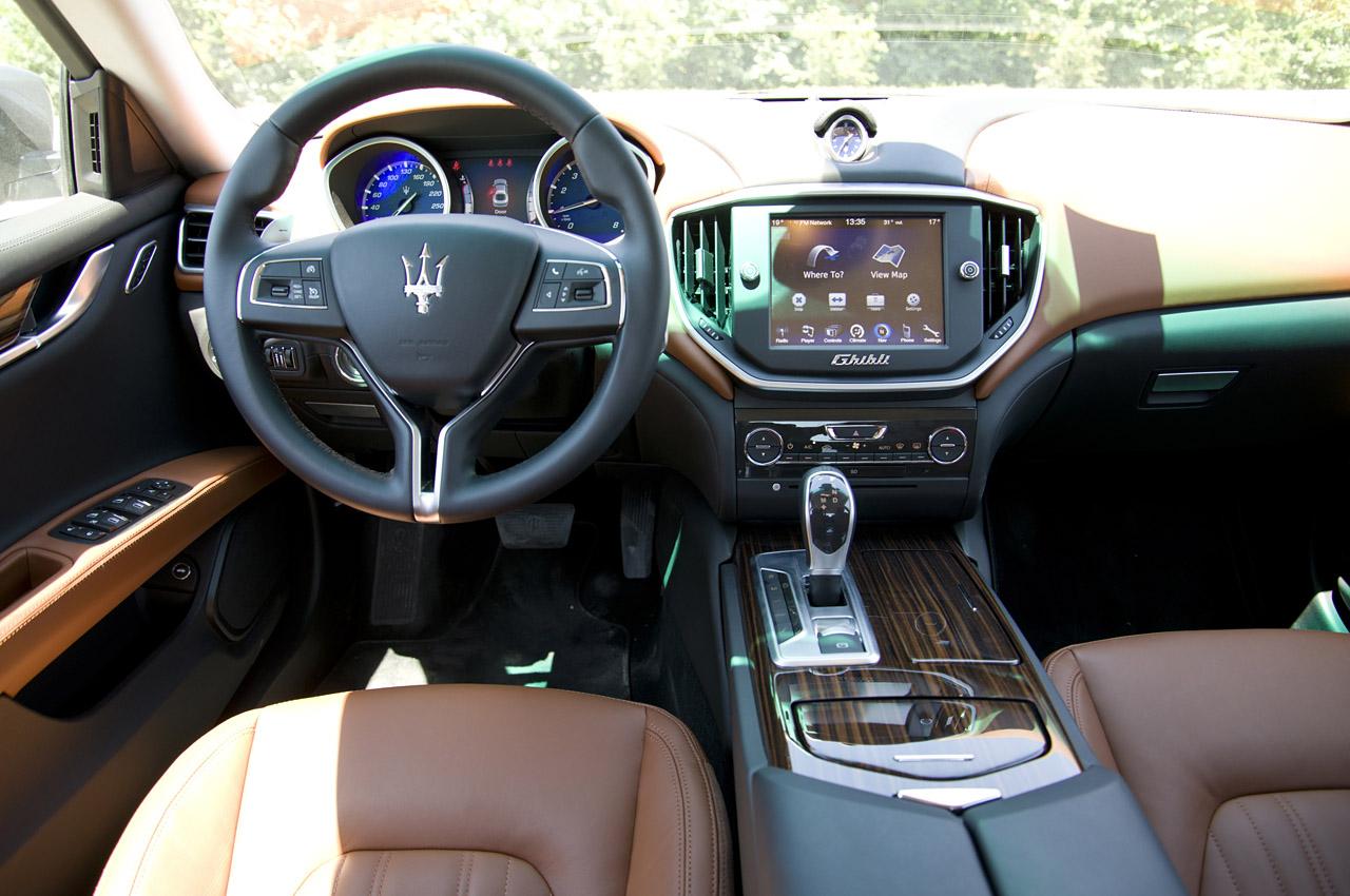 Салон Maserati Ghibli