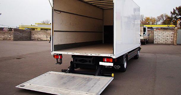 Перевозки грузов на автомобиле с гидробортом