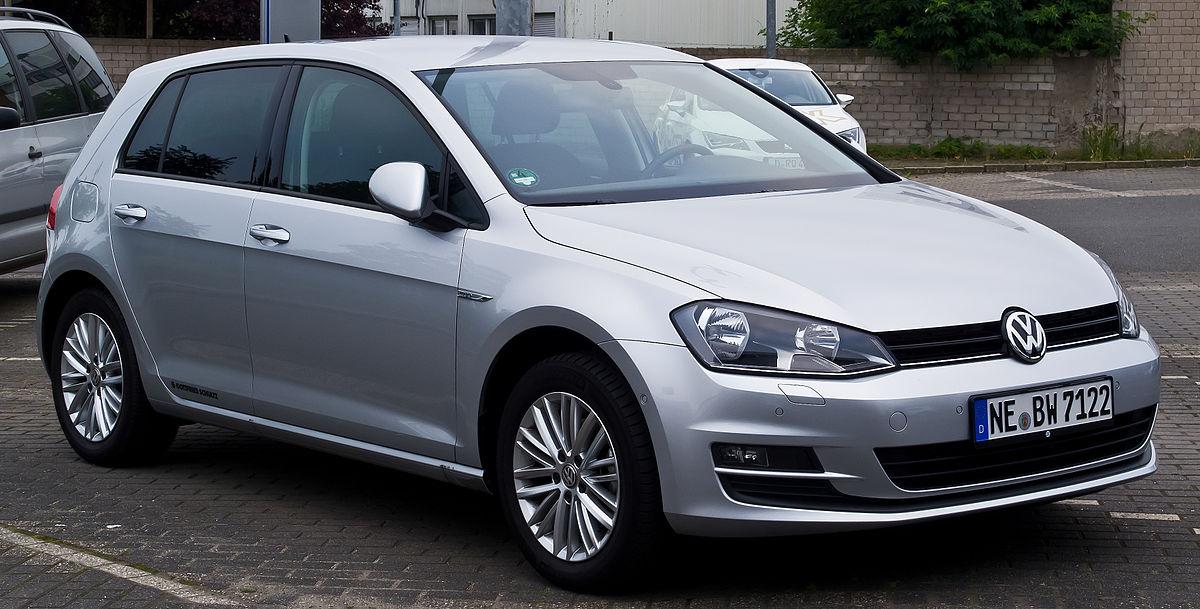 VW_Golf_1.4_TSI_BlueMotion_Technology_CUP_(VII)_–_Frontansicht,_15._Juni_2014,_Düsseldorf
